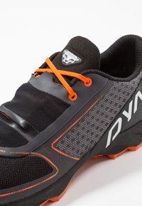 Dynafit - FELINE UP - Chaussures de running - white/orange - 5