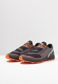 Dynafit - FELINE UP - Chaussures de running - white/orange - 2