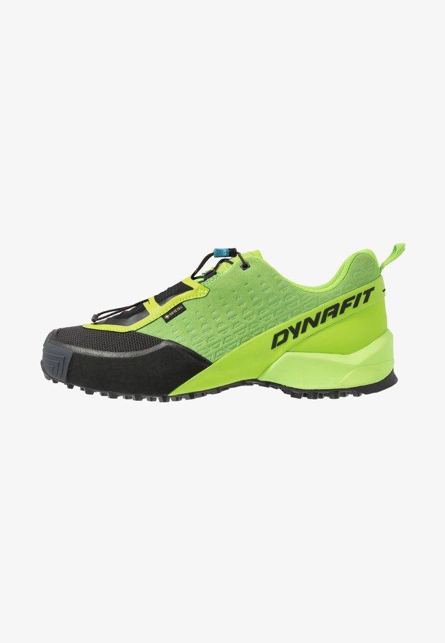 SPEED MTN GTX - Běžecké boty do terénu - lambo green/asphalt