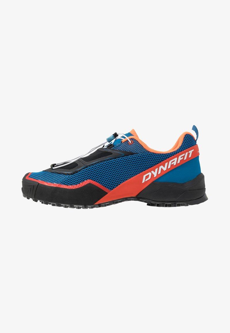 Dynafit - SPEED MTN - Běžecké boty do terénu - shocking orange/blue
