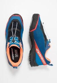 Dynafit - SPEED MTN - Běžecké boty do terénu - shocking orange/blue - 1