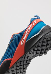 Dynafit - SPEED MTN - Běžecké boty do terénu - shocking orange/blue - 5