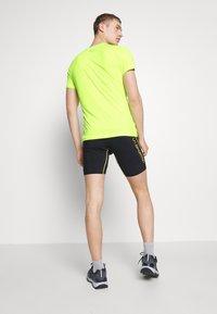 Dynafit - TRAVERSE TEE - T-Shirt print - fluo yellow - 2