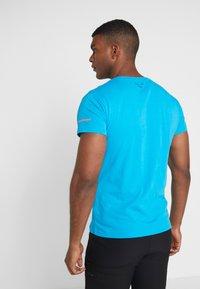 Dynafit - GRAPHIC TEE - T-shirts med print - methyl blue - 2