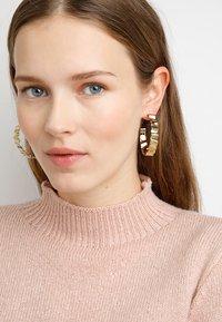 Dyrberg/Kern - ADORNIA SHINY  - Earrings - shiny gold-coloured - 1