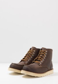 Eastland - LUMBER - Lace-up ankle boots - brown - 2