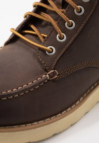 Eastland - LUMBER - Lace-up ankle boots - brown - 5