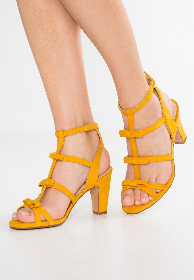 Sandaletter - aina