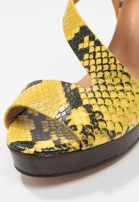 Élysèss - Sandales à talons hauts - amarillo - 2