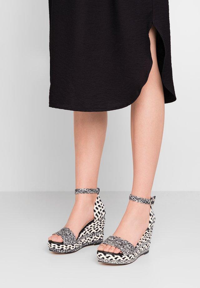 Sandaletter - white/black