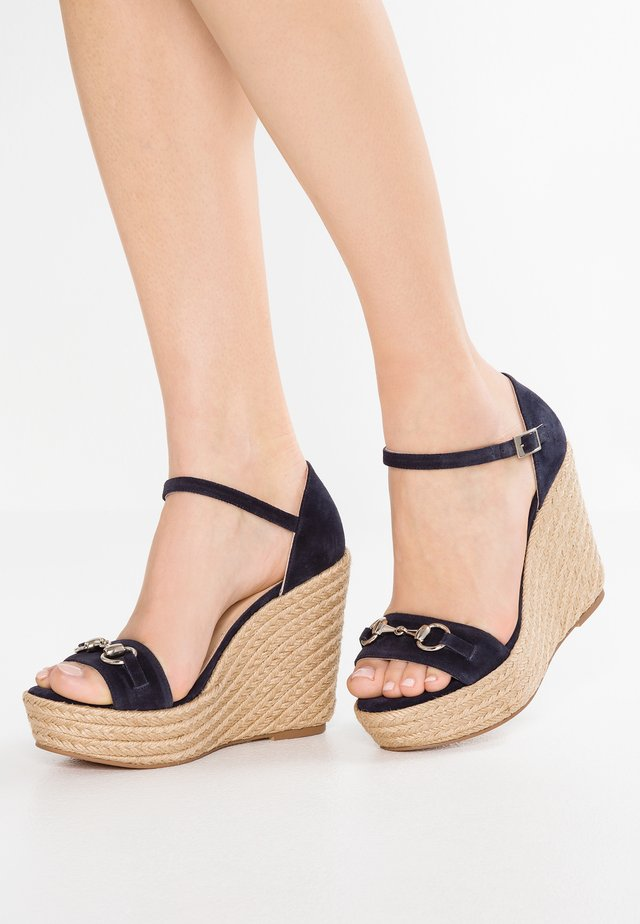 High heeled sandals - afelpado navy