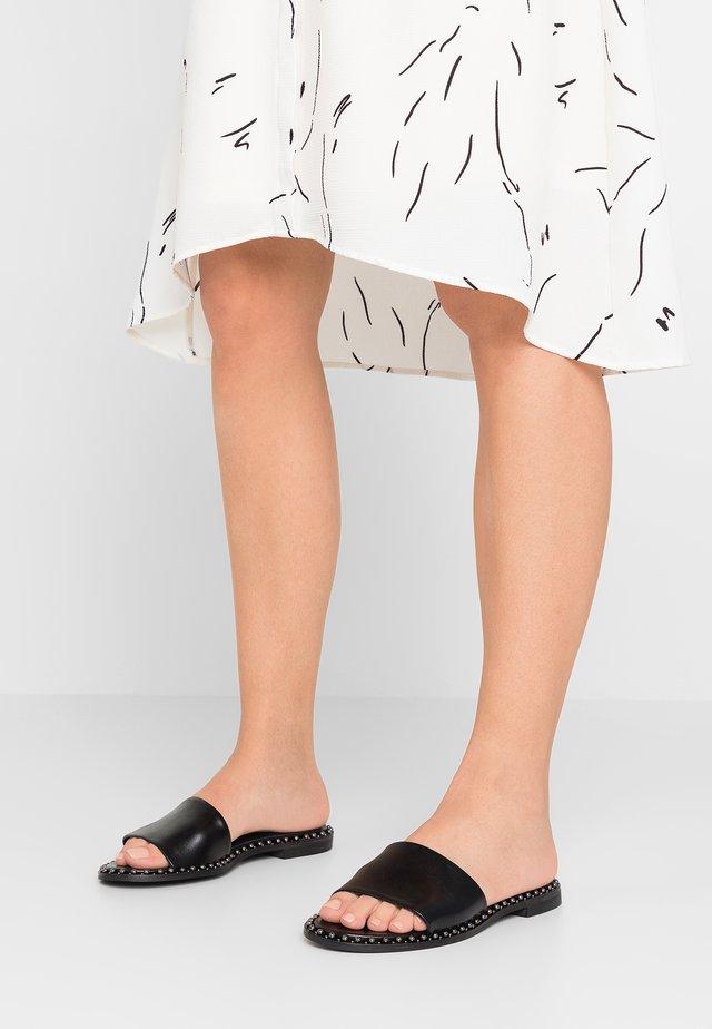Pantolette flach - sierra