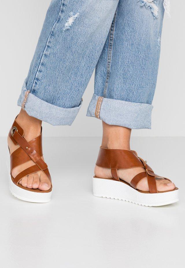 Platform sandals - sierra