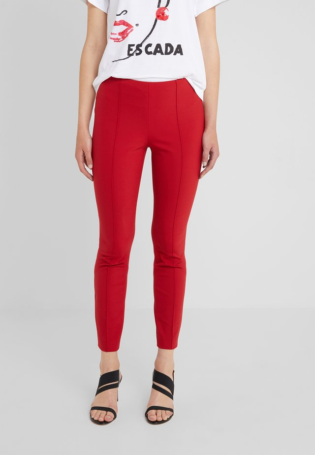 TEPITA - Pantaloni - dark rouge