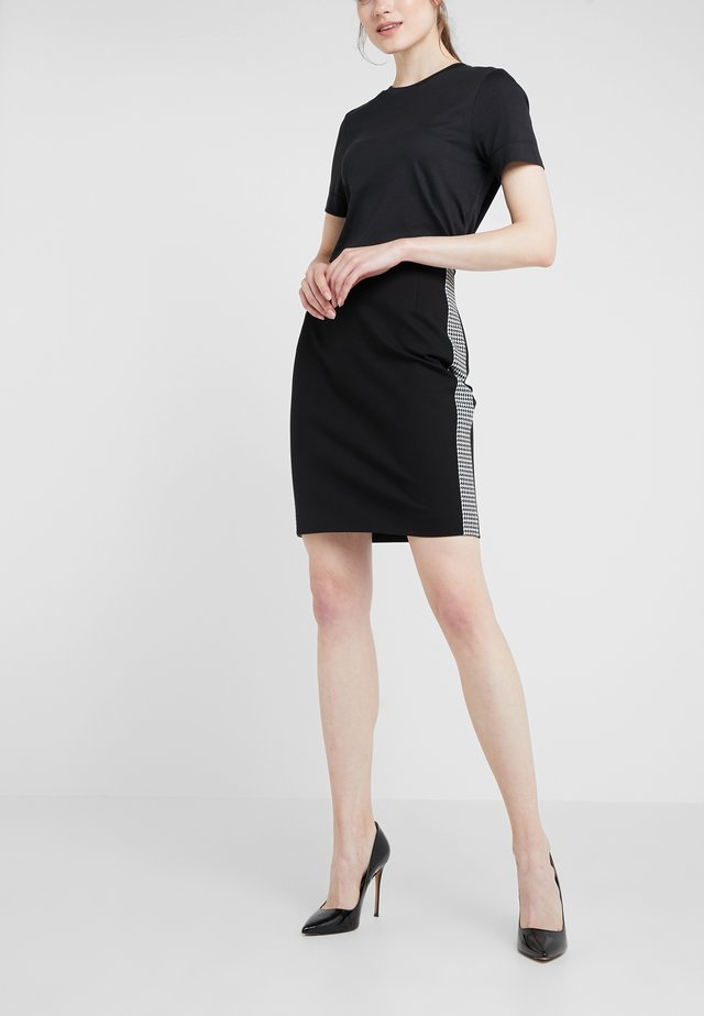 RAMIANNE - Pencil skirt - black