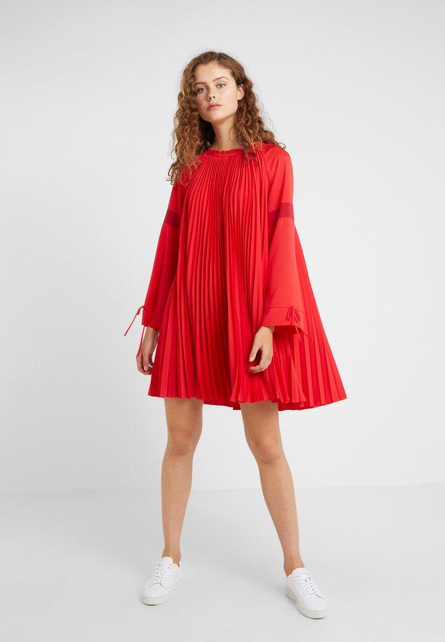 DIOGENES - Robe d'été - racing red
