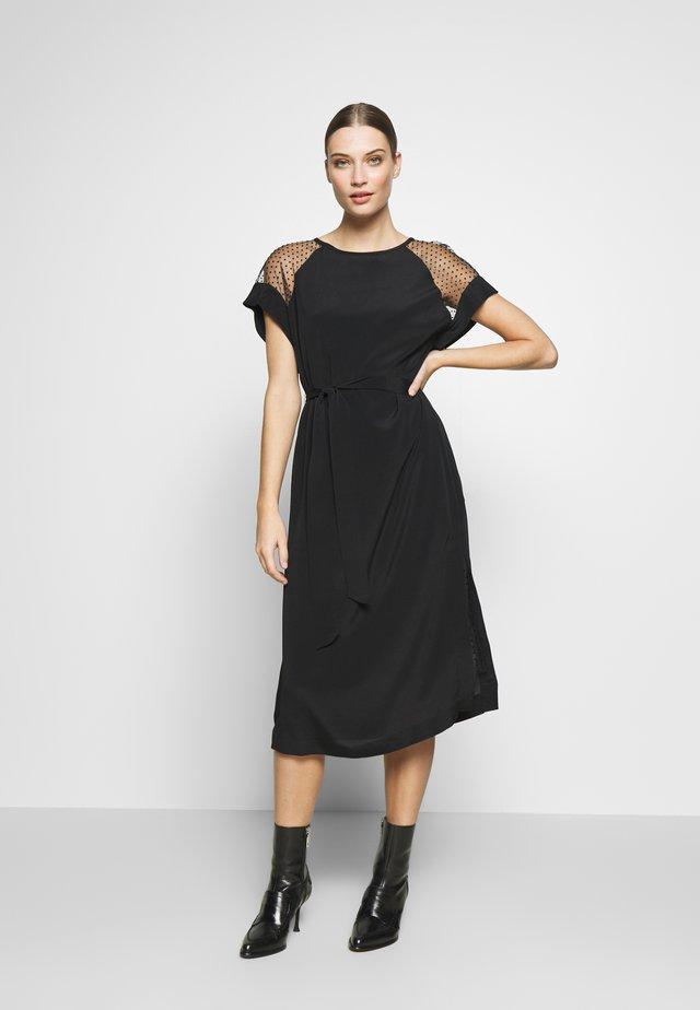 DYMALA - Korte jurk - black