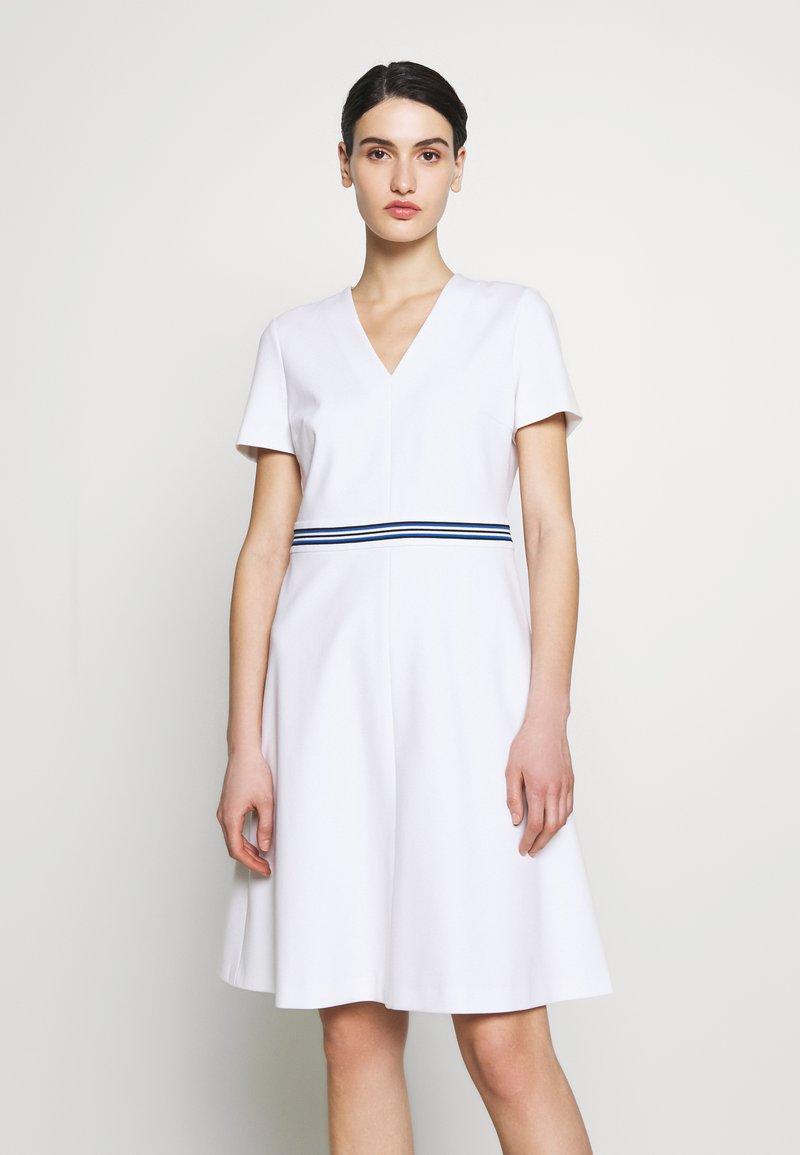Escada Sport - DUKATI - Žerzejové šaty - white