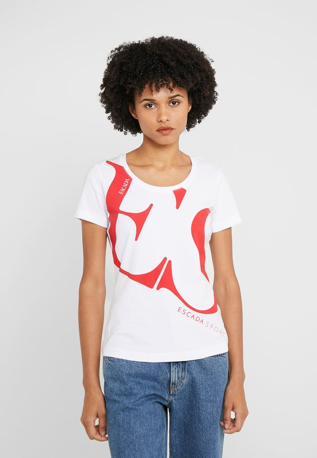 ZALANDO X ESCADA SPORT - T-Shirt print - white with red print