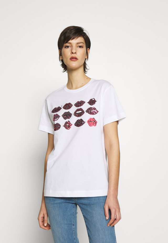 ERISS - T-shirt z nadrukiem - white