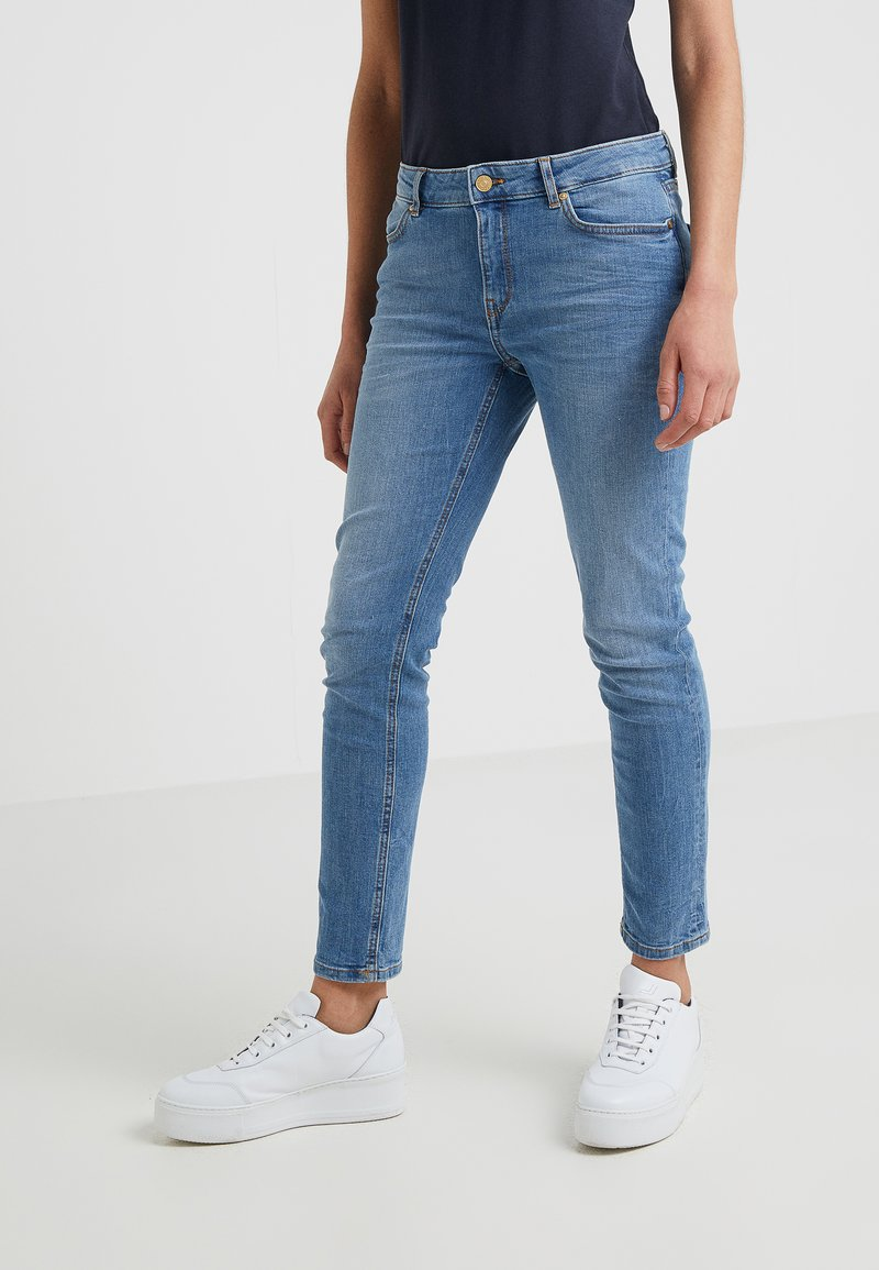 Escada Sport - Jeansy Slim Fit - medium blue