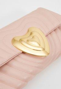 Escada - Taška spříčným popruhem - light pink - 6