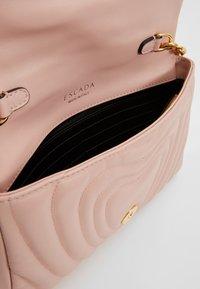 Escada - Taška spříčným popruhem - light pink - 4