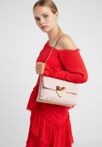 Escada - Torebka - light pink - 1