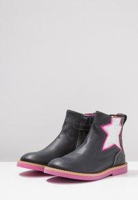 Shoesme - SILHOUET - Kotníkové boty - marino - 2