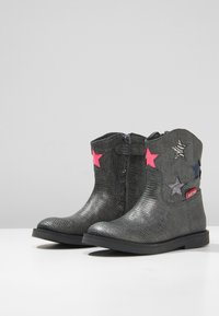Shoesme - SILHOUET - Classic ankle boots - silver - 3