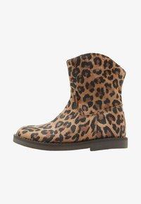 Shoesme - SILHOUET - Kotníkové boty - cognac - 1