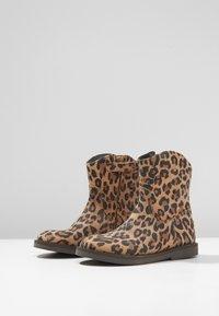Shoesme - SILHOUET - Kotníkové boty - cognac - 3