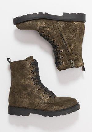 TANK - Šněrovací kotníkové boty - green