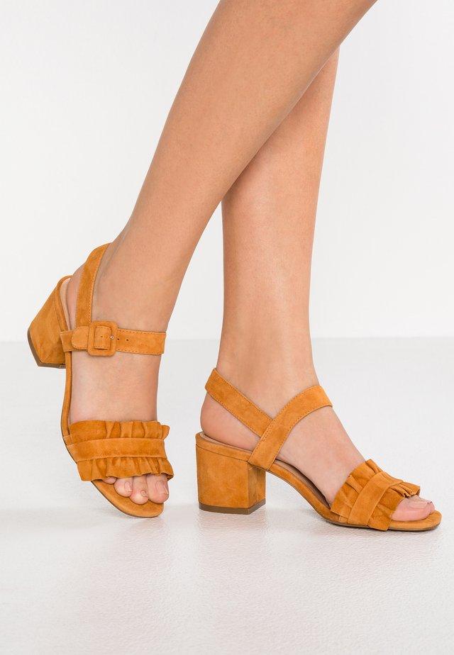 SANDIE - Sandals - apricot