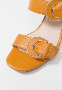 E8 BY MIISTA - ANA - Sandalias - apricot - 2