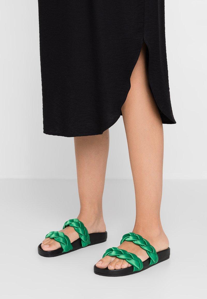 E8 BY MIISTA - LUISA - Pantolette flach - emerald