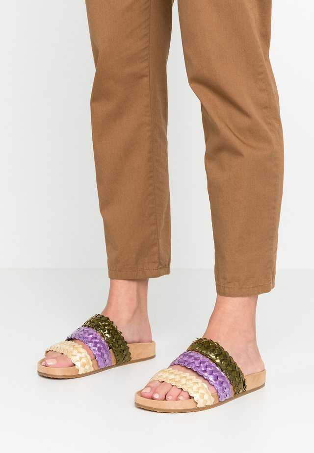 JULIETA - Pantolette flach - green