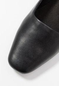 E8 BY MIISTA - ARIA - Tacones - black - 2