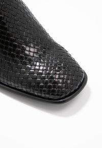 E8 BY MIISTA - JINA - Pantofle na podpatku - black - 2