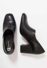 E8 BY MIISTA - EDIE - Klassiske pumps - black - 3