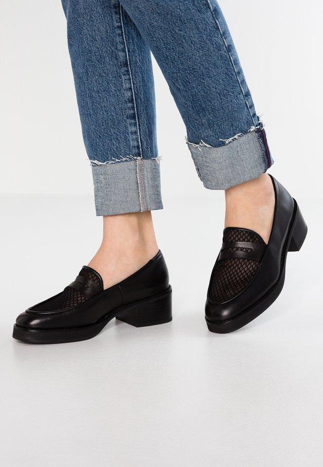 NURIA - Scarpe senza lacci - black