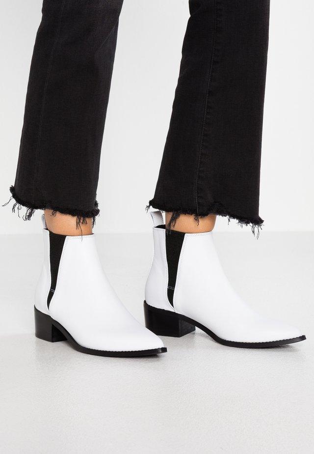 ULA - Ankle boots - white florentique