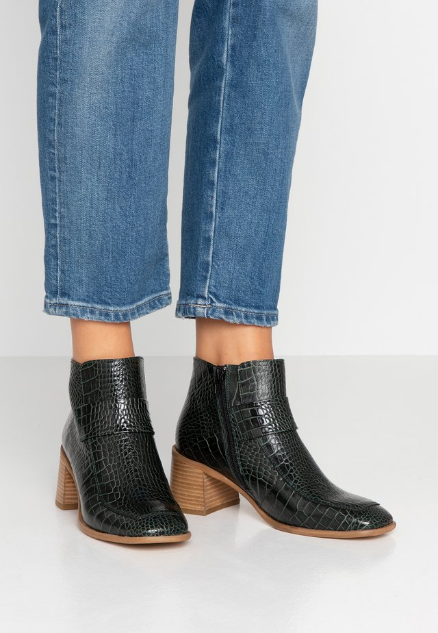 ALINA - Ankle Boot - prussian green