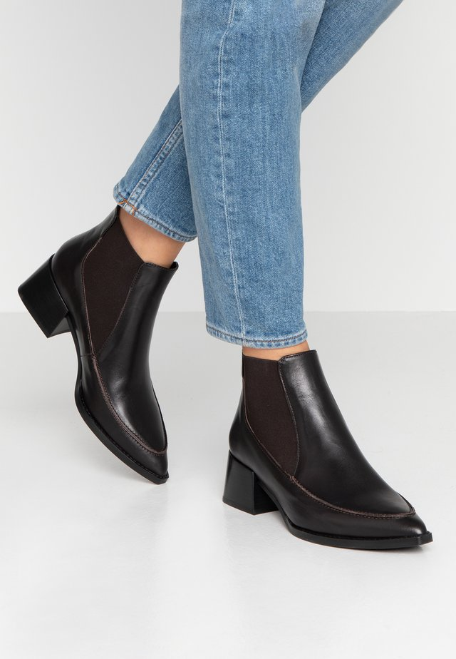 HILLA - Ankelboots - deep brown