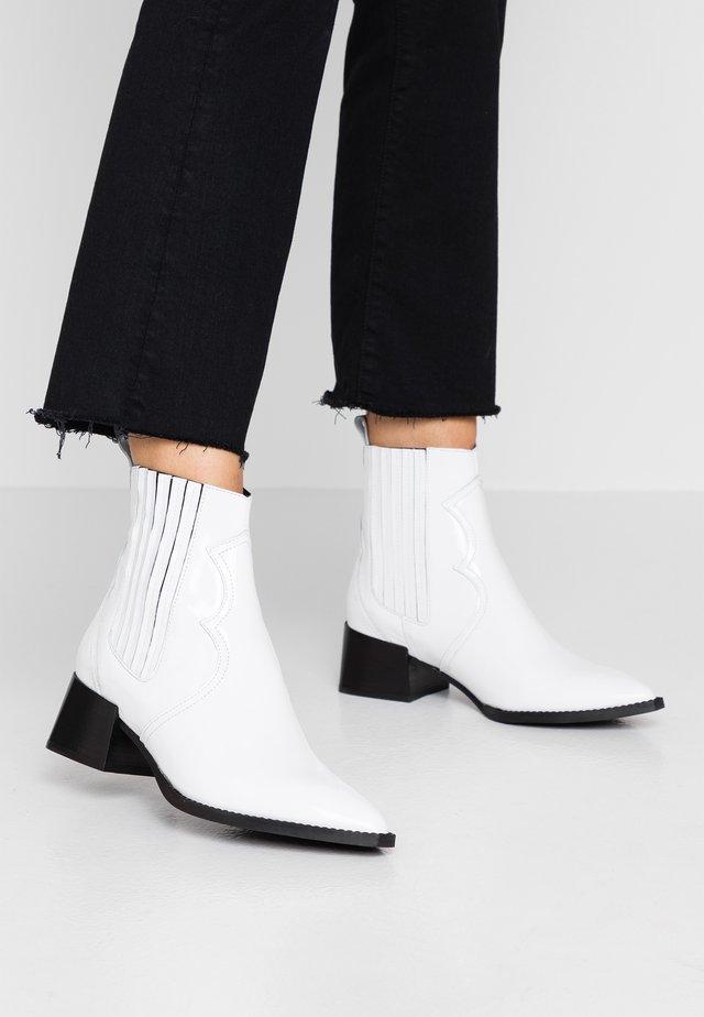 MINEA - Cowboystøvletter - white