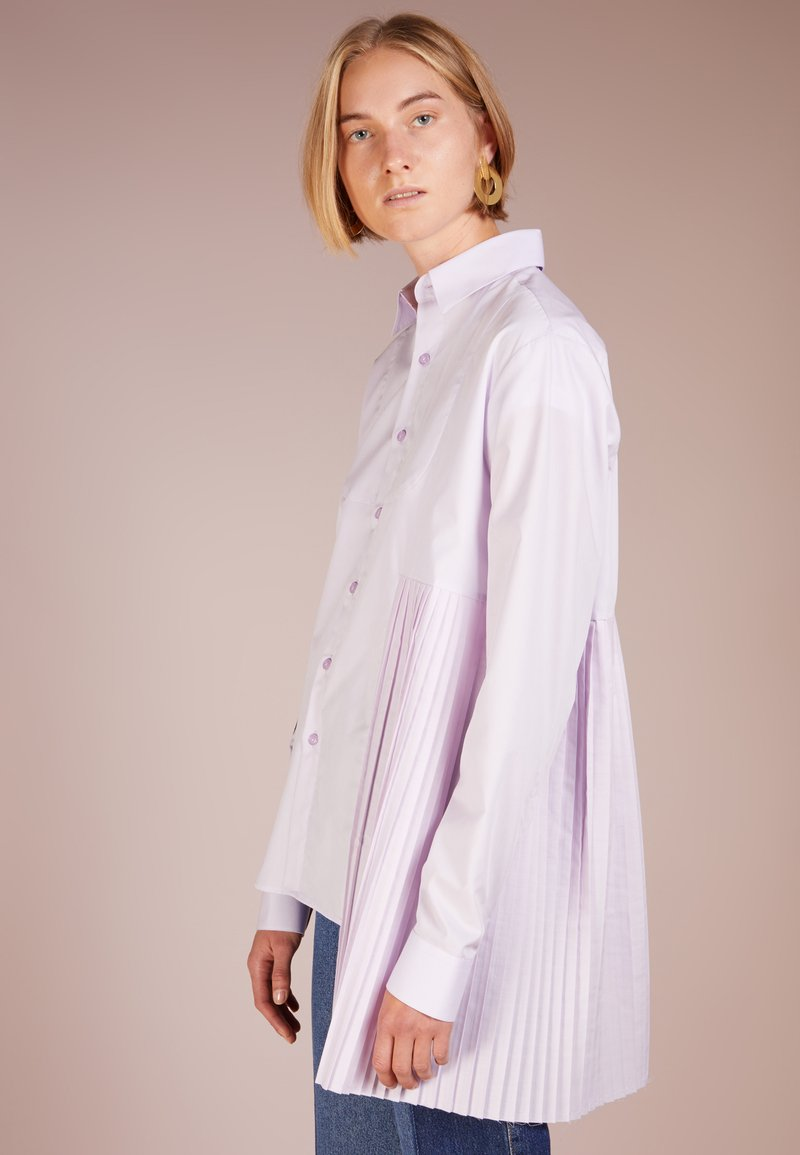 Each x Other - POPELINE TUXEDO SHIRT WITH PLEATED DETAIL - Button-down blouse - lila