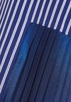 Each x Other - PINSTRIPED TUXEDO SHIRT WITH METALLIC PLEATED DETAIL - Hemdbluse - navy