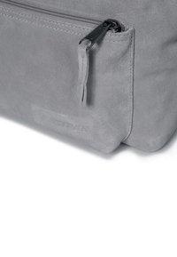 Eastpak - ORBIT SLEEK'R - Zaino - suede grey - 4