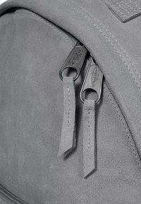 Eastpak - ORBIT SLEEK'R - Zaino - suede grey - 3