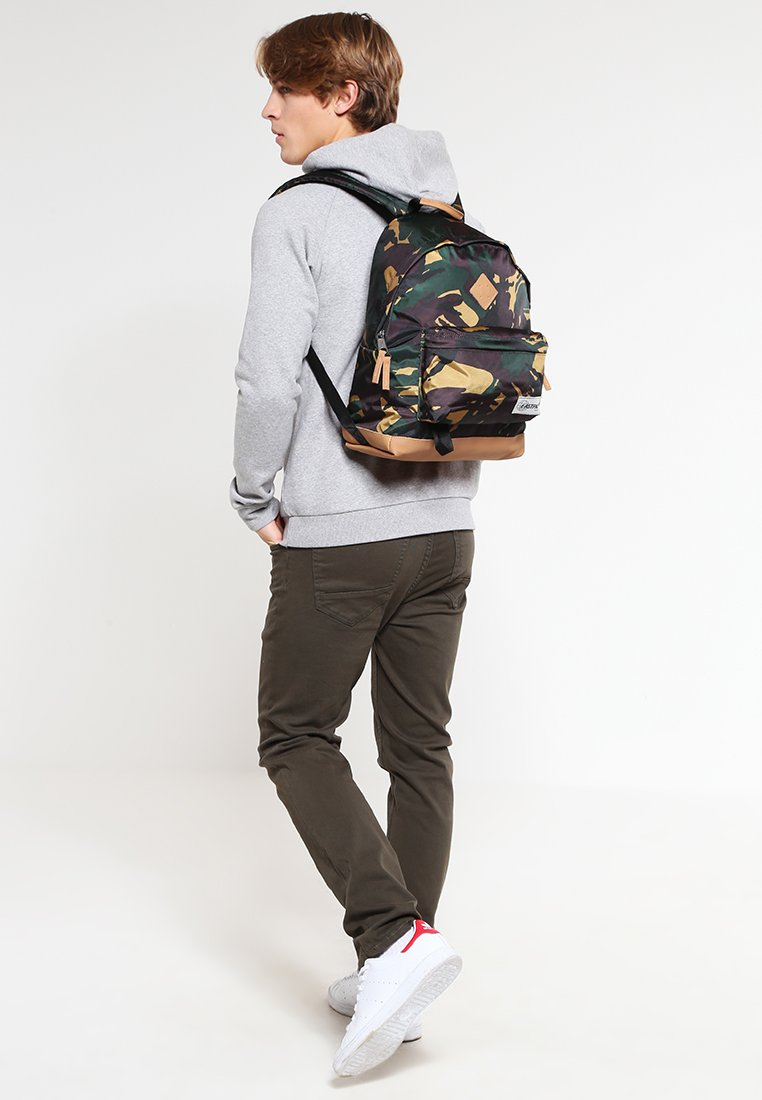 Eastpak - WYOMING/INTO THE OUT - Rygsække - into camo